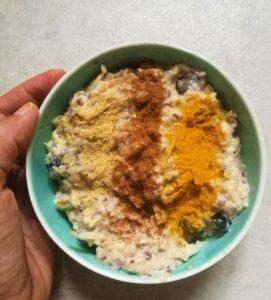 Porridge mit Früchten als Frühstücksinspiration